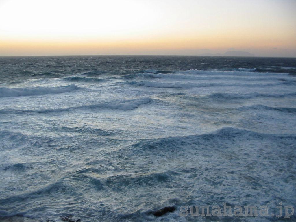 波立つ海の壁紙 1024×768【伊豆の海中壁紙 水中写真を壁紙にしました!】